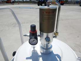 Ashita 13QB02 Air Operated Grease Pump - 2991-33 - picture1' - Click to enlarge