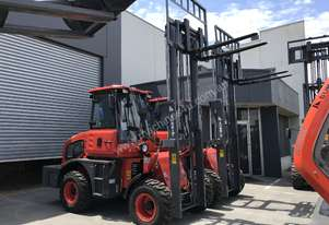 2018 Summit 2.5 Tonne 4WD Rough Terrain Forklift  with 2 Stage 3 Meter Mast
