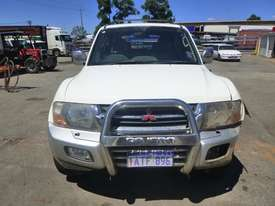 2000 Mitsubishi Pajero Exceed (NMOP45) 4x4 Wagon - picture1' - Click to enlarge