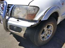 2000 Mitsubishi Pajero Exceed (NMOP45) 4x4 Wagon - picture8' - Click to enlarge