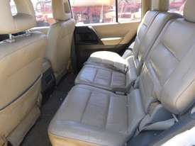 2000 Mitsubishi Pajero Exceed (NMOP45) 4x4 Wagon - picture11' - Click to enlarge