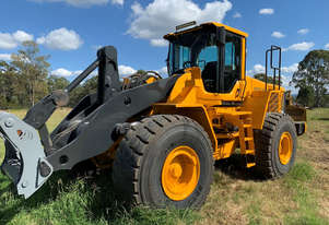 Volvo L150F Loader/Tool Carrier Loader