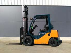 Toyota Business Class 2010 2.5 Tonne Forklift in very good condition. Sydney - picture0' - Click to enlarge