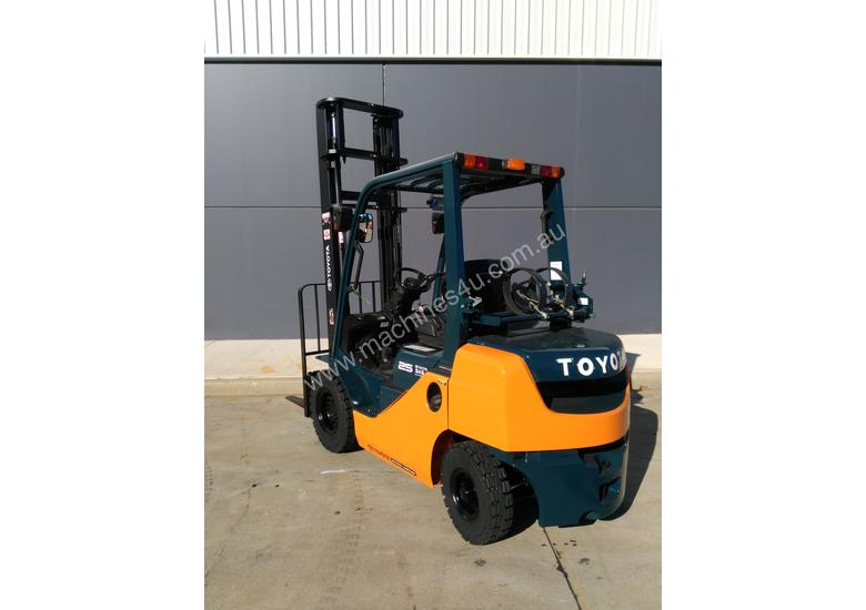 Toyota Business Class 2010 2.5 Tonne Forklift in very good condition. Sydney