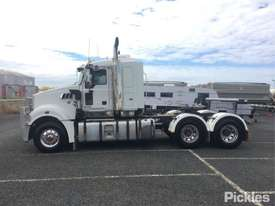 2011 Mack Trident - picture2' - Click to enlarge