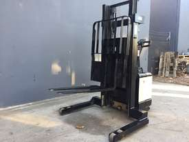 Crown WR3000TL102 Heavy Duty Walkie Reach Forklift Fully Refurbished and Repainted (Container Entry) - picture2' - Click to enlarge