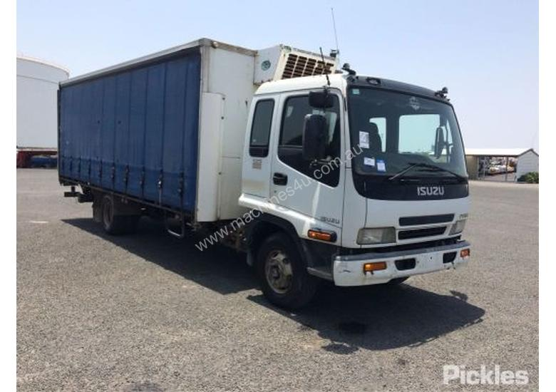 2005 Isuzu FRR 525 Long