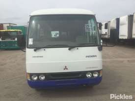 2004 Mitsubishi Rosa BE600 - picture1' - Click to enlarge