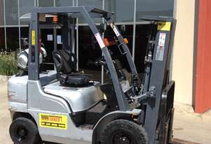 Nissan PL02A25U Counterbalance Forklift