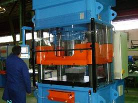 MFG 25-1000 ton Hydraulic Press - picture2' - Click to enlarge