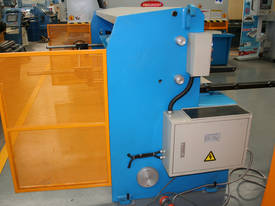 2500MM x 4MM & 2500MM x 70TON PRESSBRAKE COMBO - picture8' - Click to enlarge