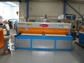 2500MM x 4MM & 2500MM x 70TON PRESSBRAKE COMBO - picture6' - Click to enlarge