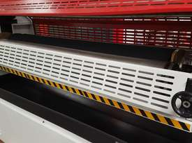 1600MM DOUBLE OR SINGLE SIDED GLUE SPREADER *NOW IN STOCK* - picture5' - Click to enlarge