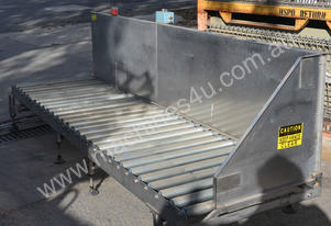 Roller conveyor 750mm x 2.88m stainless frame