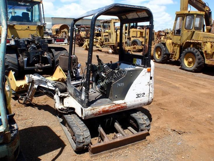 Parts and Wrecking 2002 Bobcat 322D Excavator Wrecking in