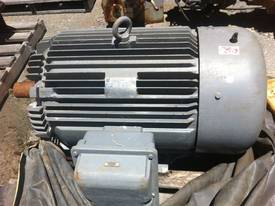 Squirrel Cage Motor - picture0' - Click to enlarge