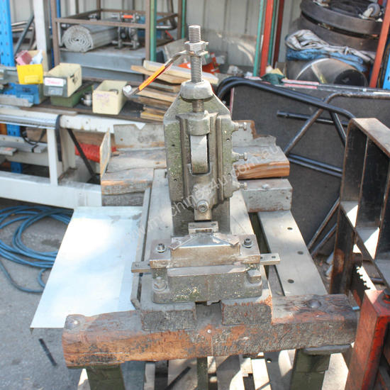 FOOT PEDAL PUNCH Press foot operated