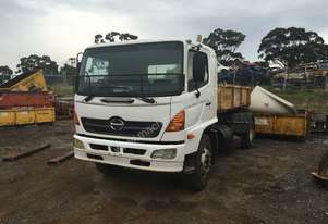 Hino   hook truck ready to go