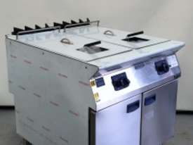 ELECTROLUX Double Well GAS FRYER - picture0' - Click to enlarge