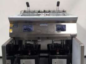 ELECTROLUX Double Well GAS FRYER - picture2' - Click to enlarge