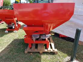 2018 AGROMASTER GS2 800 DOUBLE DISC SPREADER (800L) - picture2' - Click to enlarge