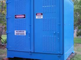 Dangerous/ flammable Type 3 goods storage container - picture1' - Click to enlarge