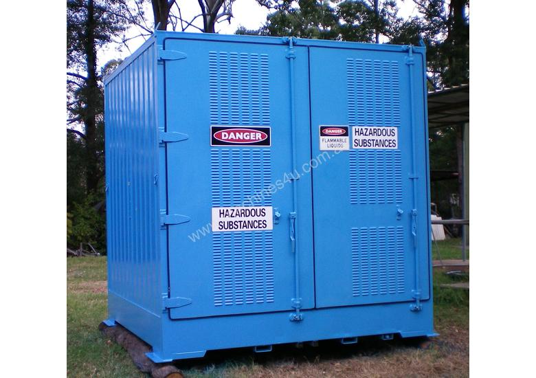 Dangerous/ flammable Type 3 goods storage container