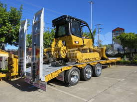 Tri Axle Tag Trailer Cat D5K XL dozer combo ATTTAG - picture1' - Click to enlarge
