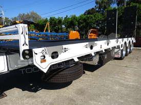 Tri Axle 28 Ton ELITE Tag Trailer Custom BLK ATTTAG - picture14' - Click to enlarge