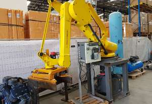 FANUC ROBOT M-410iHW Palletiser Material Handling - EOY SALE $13,500 - 100% TAX WRITE OFF