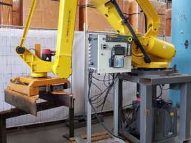 FANUC ROBOT M-410iHW Palletiser Material Handling - SALE $9,900 - 100% TAX WRITE OFF   - picture3' - Click to enlarge