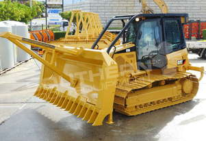CAT D5K WT Bulldozer w Stick Rake Tree Spear DOZCATK
