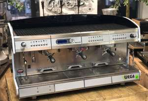 WEGA CONCEPT 3 GROUP WHITE ESPRESSO COFFEE MACHINE