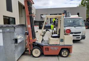 Nissan 1.8 Ton forklift LPG with a 3 Stage 6500 mm mast