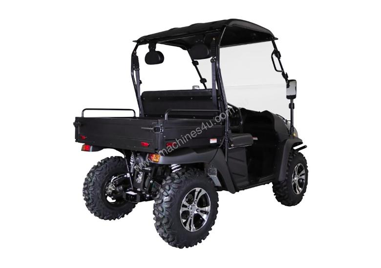 Cyclone 200 X2 Utility Vehicle With Windscreen, Roof And Alloy Wheels & Digital Display