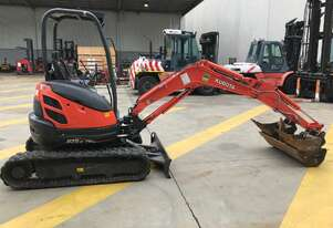Kubota U-25-3 excavator in excellent condition.
