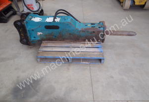 GB Hydraulic Hammer GB5T RATED 9-17 TON
