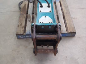 GB Hydraulic Hammer GB5T RATED 9-17 TON - picture2' - Click to enlarge