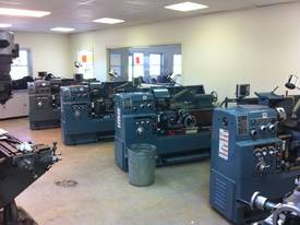 Ajax Chin Hung 430mm High Quality Metal Lathe - picture5' - Click to enlarge