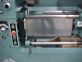 Ajax Chin Hung 430mm High Quality Metal Lathe - picture9' - Click to enlarge