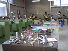 Ajax Chin Hung 430mm High Quality Metal Lathe - picture12' - Click to enlarge
