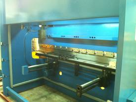 3200mm x 6mm Guillo & 3200mm x 135Ton Pressbrake - picture4' - Click to enlarge