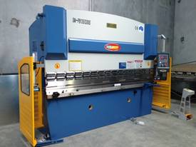 3200mm x 6mm Guillo & 3200mm x 135Ton Pressbrake - picture1' - Click to enlarge