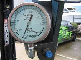 TOYOTA 2.5t  LPG with Analogue weight gauge - picture12' - Click to enlarge