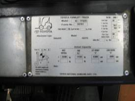 TOYOTA 2.5t  LPG with Analogue weight gauge - picture11' - Click to enlarge