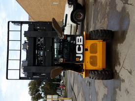 JCB TLT 35D 4X4 Teletruck - picture14' - Click to enlarge