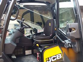 Jcb 1-6m Lift Height Telehandler Max lift 3000kg - picture0' - Click to enlarge