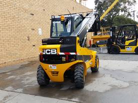 Jcb 1-6m Lift Height Telehandler Max lift 3000kg - picture5' - Click to enlarge