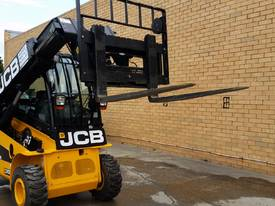 Jcb 1-6m Lift Height Telehandler Max lift 3000kg - picture8' - Click to enlarge