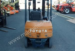 TOYOTA ELECTRIC FORKLIFT 7FB18